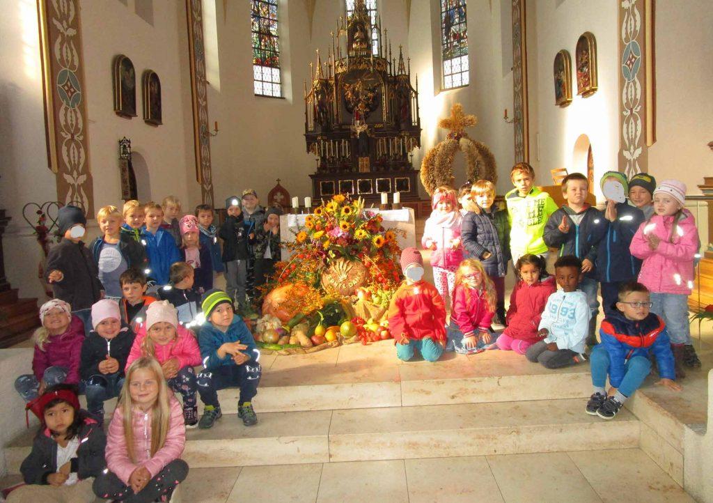 Kindergarten Tittling, News, 1. Ausflug der SF in die Kirche